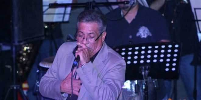 Pedro Arroyo complace a sus fanáticos en Latitud 47