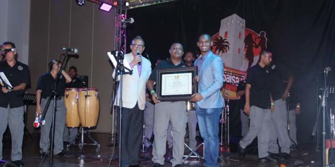 Orquesta de la Policía Nacional recibe reconocimiento en el Panamá Salsa Congress