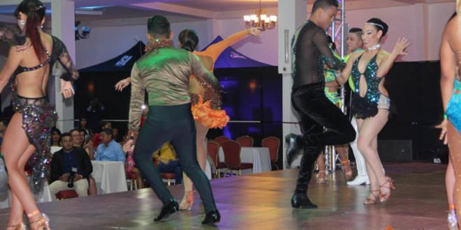 Noche de Campeones y competencias internacional en el Panamá Salsa Congress