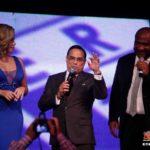 """Gilberto Santarosa en """"Una noche en el barrio"""" aniversario del locutor Moises Rodríguez"""