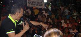 Wichy Camacho comparte con orquesta de la Policía Nacional en Plaza Amador